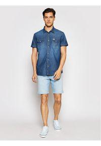 Niebieskie spodenki jeansowe Wrangler
