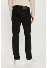 Cross Jeans - Jeansy Greg. Kolor: czarny