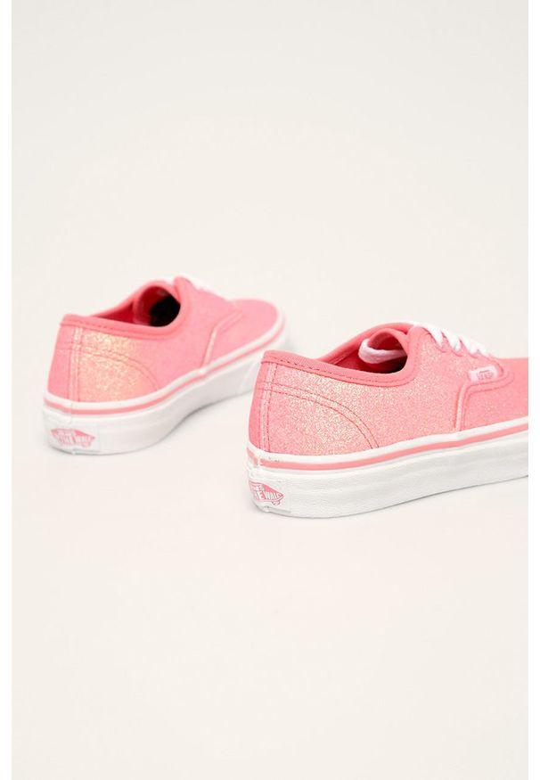 Różowe trampki Vans na sznurówki, z okrągłym noskiem, z cholewką