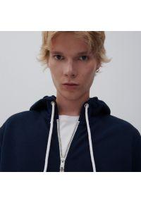 Reserved - Bluza z kapturem - Granatowy. Typ kołnierza: kaptur. Kolor: niebieski