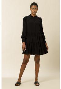 IVY & OAK - Sukienka Marla. Kolor: czarny. Materiał: materiał. Długość rękawa: długi rękaw
