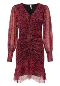 Sukienka w kropki bonprix ciemnoczerwony w kropki. Kolor: czerwony. Wzór: kropki. Sezon: lato