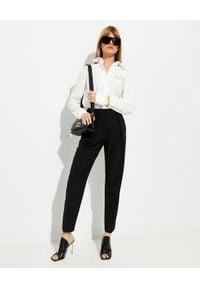 OFF-WHITE - Biała koszula z bawełny. Okazja: na co dzień. Kolor: biały. Materiał: bawełna. Długość rękawa: długi rękaw. Długość: długie. Styl: casual