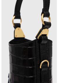Coccinelle - Torebka skórzana Tech. Kolor: czarny. Materiał: skórzane. Rodzaj torebki: na ramię