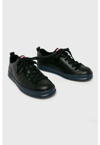Czarne sneakersy Camper z cholewką, na sznurówki