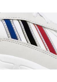 Białe buty sportowe Adidas z cholewką