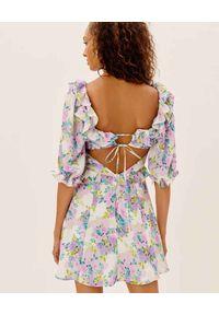 For Love & Lemons - FOR LOVE & LEMONS - Sukienka z kwiatowym nadrukiem Imogen. Typ kołnierza: dekolt kwadratowy. Kolor: różowy, fioletowy, wielokolorowy. Materiał: poliester. Wzór: kwiaty, nadruk. Długość: mini