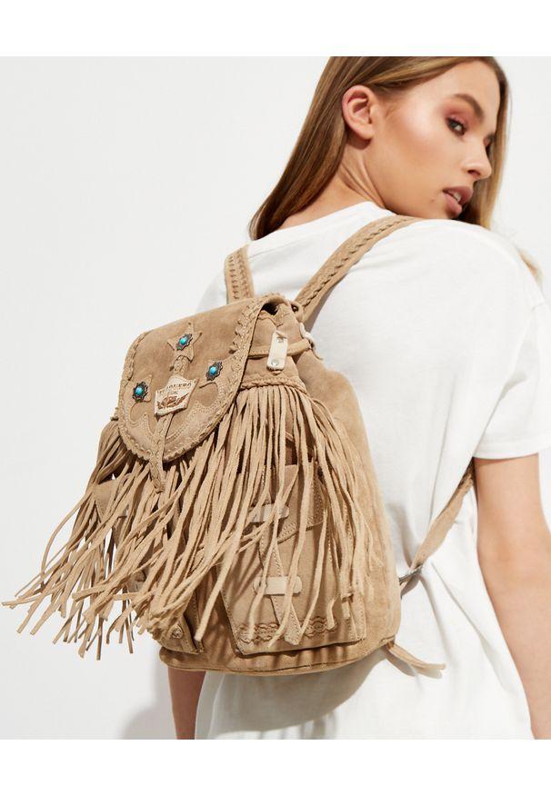 EL VAQUERO - Beżowy plecak Summmer. Kolor: beżowy. Materiał: zamsz. Wzór: aplikacja