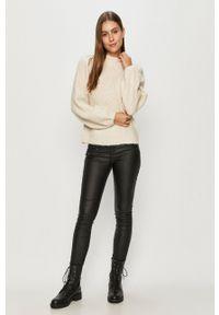 Vero Moda - Sweter. Okazja: na co dzień. Kolor: beżowy. Długość rękawa: długi rękaw. Długość: długie. Styl: casual