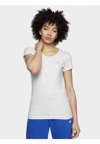 4f - T-shirt damski. Kolor: biały. Materiał: bawełna, dzianina, materiał, elastan. Długość rękawa: krótki rękaw. Długość: krótkie. Sport: fitness