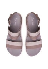 Beżowe sandały Clarks