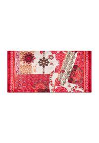 Desigual - Szal DESIGUAL - 21SAWA39 1002. Kolor: czerwony. Materiał: wiskoza, materiał