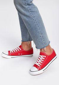 Renee - Czerwone Trampki Lakelet. Kolor: czerwony. Materiał: materiał