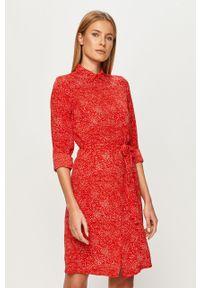 Czerwona sukienka Vero Moda z długim rękawem, na co dzień, w grochy