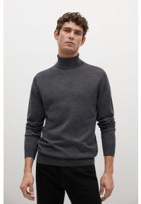 Mango Man - Sweter WILLYT. Okazja: na co dzień. Typ kołnierza: golf. Kolor: szary. Materiał: dzianina. Długość rękawa: długi rękaw. Długość: długie. Styl: casual