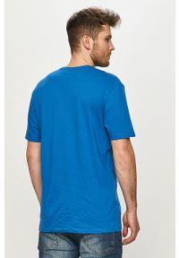 Niebieski t-shirt columbia na co dzień, casualowy, z nadrukiem
