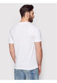 Calvin Klein T-Shirt Center Logo Stretch K10K106498 Biały Regular Fit. Kolor: biały