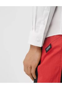 Burberry - BURBERRY - Biała koszula z bawełnianej popeliny. Kolor: biały. Materiał: bawełna. Styl: klasyczny, vintage