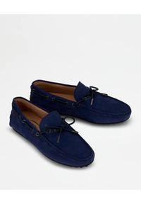 TOD'S - Niebieskie zamszowe mokasyny. Nosek buta: okrągły. Kolor: niebieski. Materiał: zamsz #3
