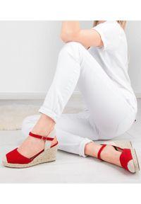 Czerwone sandały SIXTH SENS ze sprzączką, na lato, klasyczne, w kolorowe wzory