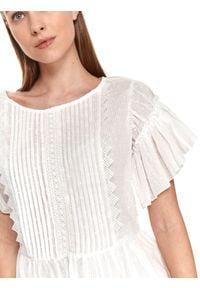 TOP SECRET - Plisowana bluzka z falbanami. Kolor: biały. Materiał: tkanina, bawełna, koronka. Długość rękawa: krótki rękaw. Długość: krótkie. Wzór: aplikacja, koronka. Sezon: lato. Styl: wakacyjny