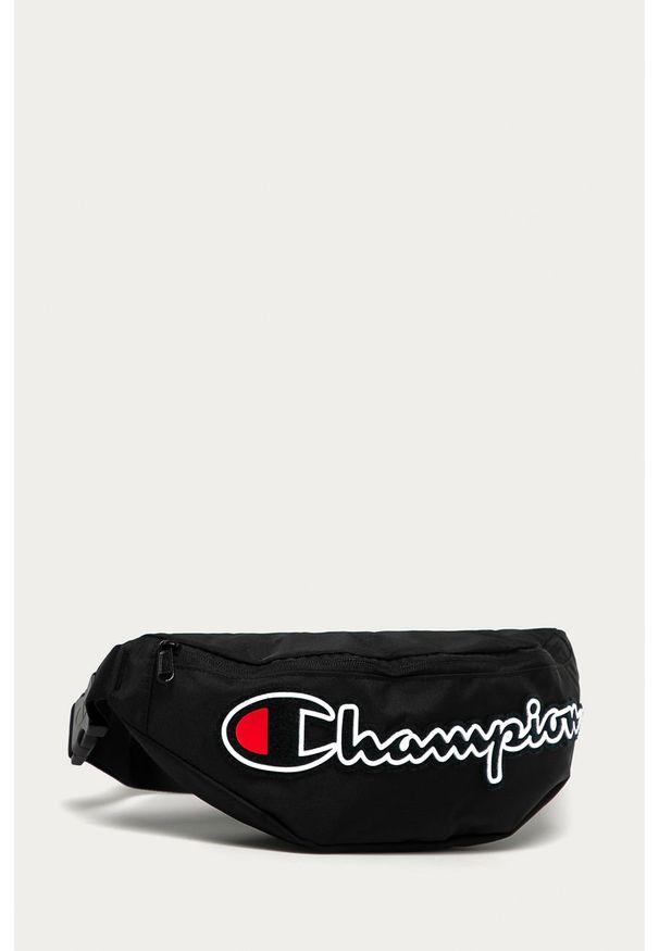 Czarna nerka Champion z aplikacjami