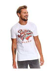 TOP SECRET - T-shirt z nadrukiem. Kolor: biały. Materiał: bawełna, tkanina. Długość rękawa: krótki rękaw. Długość: krótkie. Wzór: nadruk. Sezon: lato. Styl: wakacyjny