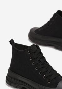 Born2be - Czarne Trampki Calypheosis. Wysokość cholewki: przed kolano. Nosek buta: okrągły. Kolor: czarny. Materiał: jeans, materiał, guma. Szerokość cholewki: normalna #4