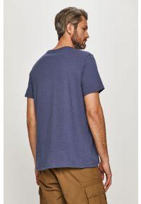 Niebieski t-shirt Levi's® z nadrukiem, casualowy