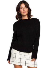 Czarny sweter oversize MOE z kontrastowym kołnierzykiem
