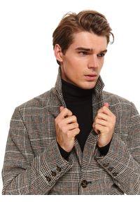 TOP SECRET - Klasyczny płaszcz w kratę z dodatkiem wełny. Okazja: do pracy. Kolor: beżowy. Materiał: wełna. Długość rękawa: długi rękaw. Długość: długie. Wzór: aplikacja. Sezon: zima. Styl: klasyczny
