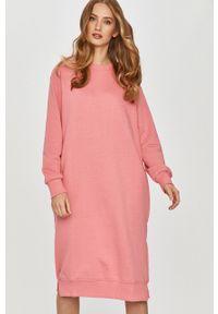 Różowa sukienka Answear Lab prosta, wakacyjna, mini, na co dzień