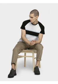 T-shirt outhorn z krótkim rękawem