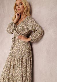 Renee - Beżowa Sukienka Thesena. Kolor: beżowy. Materiał: tkanina, materiał. Długość rękawa: długi rękaw. Wzór: kwiaty, aplikacja, nadruk. Typ sukienki: kopertowe, dopasowane. Długość: maxi #4