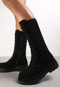 Renee - Czarne Botki Xeliana. Wysokość cholewki: przed kolano. Nosek buta: okrągły. Zapięcie: sznurówki. Kolor: czarny. Szerokość cholewki: normalna