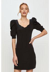 Czarna sukienka Morgan z krótkim rękawem, casualowa