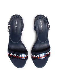 Niebieskie sandały TOMMY HILFIGER na co dzień, sportowe, z aplikacjami