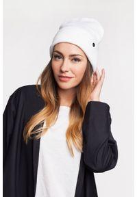 Biała czapka PaMaMi
