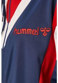Niebieska bluza rozpinana Hummel bez kaptura, w kolorowe wzory