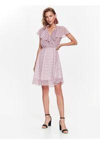 Różowa sukienka TOP SECRET elegancka, na jesień, z krótkim rękawem