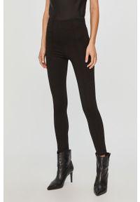 Czarne spodnie materiałowe Silvian Heach klasyczne
