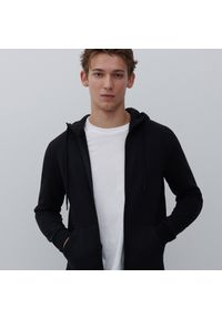 Reserved - Bluza z kapturem - Czarny. Typ kołnierza: kaptur. Kolor: czarny