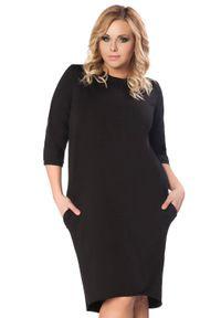 Tessita - Czarna Dzianinowa Sukienka z Wiązaniem na Karku PLUS SIZE. Kolekcja: plus size. Kolor: czarny. Materiał: dzianina. Typ sukienki: dla puszystych