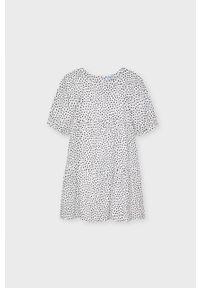 Biała sukienka Mayoral z krótkim rękawem, rozkloszowana