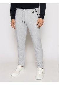 Karl Lagerfeld - KARL LAGERFELD Spodnie dresowe Sweat 705025 511900 Szary Regular Fit. Kolor: szary. Materiał: dresówka