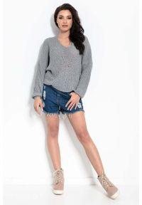 Fobya - Luźny Sweter z Ozdobnym Sznurkiem - Ciemnoszary. Kolor: szary. Materiał: bawełna, akryl, wełna, wiskoza