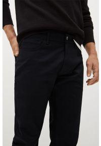 Mango Man - Spodnie PISA. Kolor: czarny. Materiał: dzianina, bawełna. Wzór: gładki