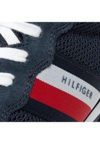 TOMMY HILFIGER - Tommy Hilfiger Sneakersy Essential Mesh Runner FM0FM03417 Granatowy. Kolor: niebieski. Materiał: mesh
