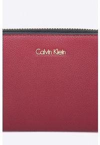 Czerwony portfel Calvin Klein Jeans