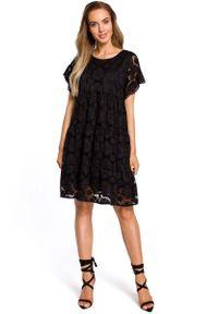 MOE - Czarna Zwiewna Sukienka Koronkowa z Mini Rękawkiem. Kolor: czarny. Materiał: koronka. Długość rękawa: krótki rękaw. Długość: mini